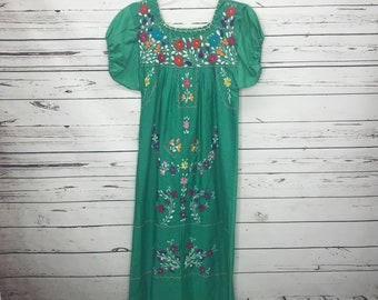 Green handmade authentic Mexican floral embroidered dress SZ:S