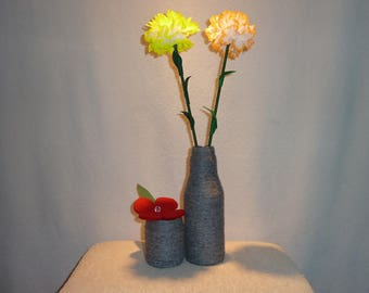 Vase, glass bottle and glass jar with wool wrapped, incl. flower