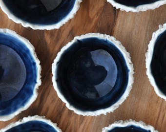Tiny Navy Blue Geode Bowl - Small Ceramic Bowl Ceramic Ring Dish Gift for Her Foodie Gift Salt Dish Blue White Ceramic Bowl Porcelain Dish