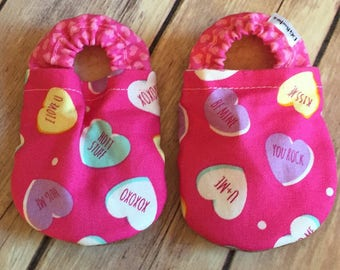 Heart booties, Heart Moccs, Heart soft sole shoe, Baby Shower Gift, Valentines, Heart Crib shoe, Valentines day baby, Valentines day moccs