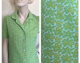 button down MOD shirt dress// Lime green floral // 1960s button down shirt dress// mini shift dress. size L
