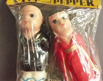 Vintage Mid Century Ceramic Asian Couple Salt and Pepper Shakers Hand Painted NIP