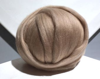 Light Brown Merino Wool Roving, Needle Felting wool, Spinning Fiber, beige, tan, buff, taupe, neutral, Cafe au Lait roving