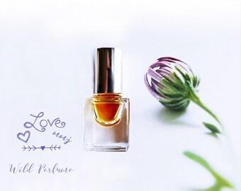 "Natural Rose Perfume oil Honeycomb Clover Wild Rose Fragrance ""the Rose Bee"" Wildflower Saffron Botanical Natural Organic 3 ml + Samples"