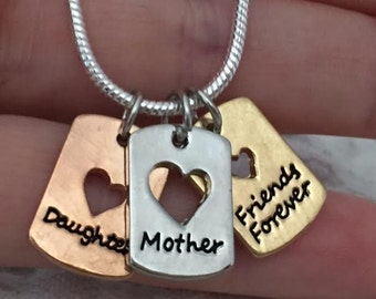 MOTHER DAUGHTER Friends Forever Pendant Necklace