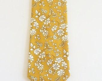 Liberty de London imprimé cravate, personnalisé cravate jaune cravate moutarde, cravate jaune, moutarde floral cravate, cravate de mariage personnalisé