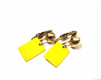 Vintage Gold Tone and Yellow Fan Clip Earrings