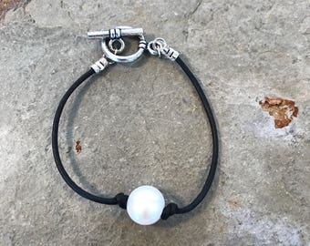 SALE- Baroque pearl and leather bracelet