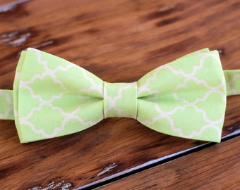 Green Moroccan Boys Bow Tie - pale green cream quatrefoil cotton boy's bow tie, wedding bow tie, birthday bow tie, infant baby toddler child