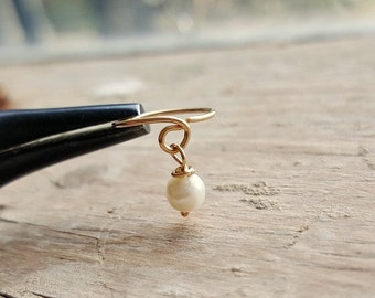Cartilage Earring , Gold Fill  Helix hoop , Cartilage piercing , Helix Ring , Tragus jewelry , Genuine Pearl Ear Piercing