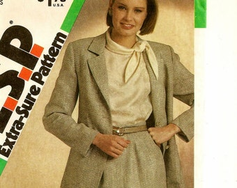 "A Classic Suit Pattern for Women: Button Front, Unlined Blazer and Slim Skirt - Uncut - Sizes 8-10-12, Bust 31-1/2"" - 34"" • Simplicity 6536"