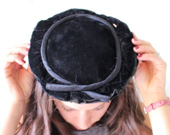 Vintage Mid Century Hat...velvet hat. church. granny. costume. easter. wedding. bride. hepburn. 1950s hat. 1960s hat. black. funeral. classy
