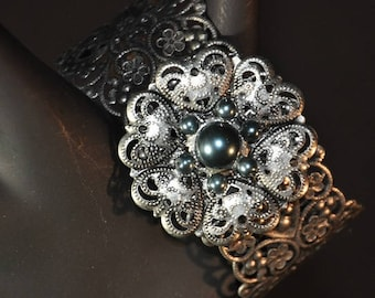 Silver Metal Cuff Bracelet with Gray Pearls