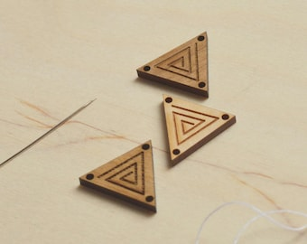 Custom Wood Tags, Custom Logo Wood Tags, Personalised Custom Wood Tags with Logo, Custom Label Tags, Triangular Knitting Tags, Triangle Tags
