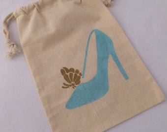 Cinderella Party Favor Bags: Cinderella Glass Slipper and Gold Butterfly Treat Bag, Reusable Drawstring Muslin Glass Slipper Favor Bags,