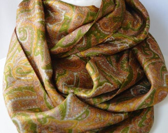 Clearance Sale - Paisley Pure Silk Sari Recycled Infinity Scarf -  Eternity Scarf - Loop Scarf - Pure Silk Scarf - Boho Chic - CMCIS0002