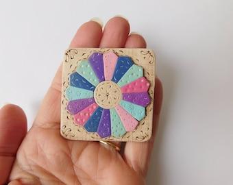 Mini Dresden Plate Quilt Block Magnet, polymer clay refrigerator magnet