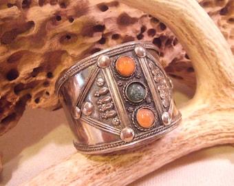 Tribal Bracelet Silver    -- old jewelry  -- heavy patina( FREE SHIPPING SALE)