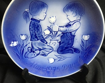 Desiree - H.C. Anderson Mother's Day plate