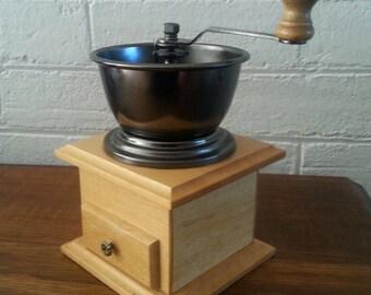 Vintage Hand Coffee Grinder / Retro Wooden and Metal Coffee Grinder