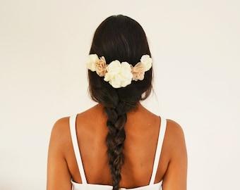 Peigne à cheveux mariée mariage champêtre fleurs ivoire beige, accessoire cheveux mariage bohème fleurs demoiselle d'honneur