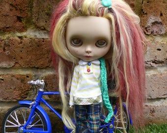 Blythe Spring Uni Outfit (BD13917)