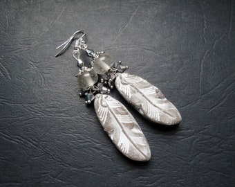 Wired beads and ceramic feathers earrings