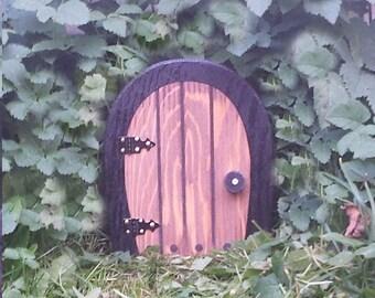 Small Fairy Door, 6 inch that OPENS.