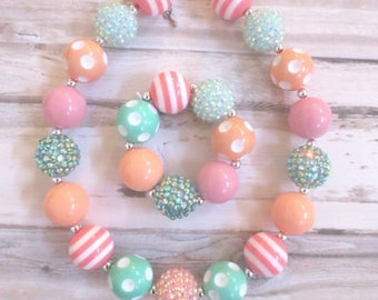 Baby Necklace, Birthday Necklace, Girl, Toddler Chunky Necklace, Girl Jewelry, Bubblegum Necklace, Baby Girl Necklace, Girl Bracelet