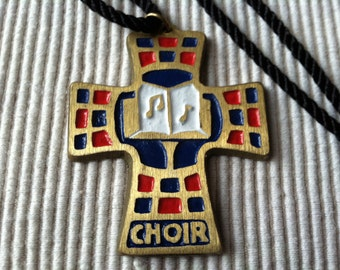 """Vintage 80's  """"CHOIR CORDED NECKLACE"""" Brass Colored Cross with Musical Notes"""