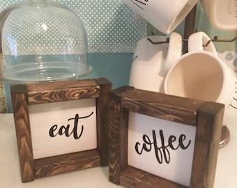 Signe de café, panneau de bois ferme, décor de cuisine, bar à café signe, signe de rustique, à la main peint signe, cadeau d'amant de café, art mural cuisine