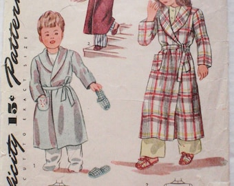 Child's Vintage Sewing Pattern - Robe and Slippers - Simplicity 1126 - Size 2, Chest 21 - UNPRINTED