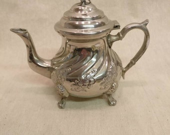 Vintage Silver plated Tea Pot, Coffee Pot.