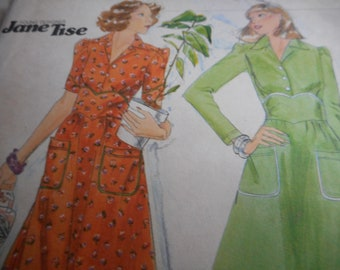 RARE Vintage 1970's Butterick 4682 YOUNG DESIGNER Jane Tise Dress Sewing Pattern Size 8 Bust 31.5