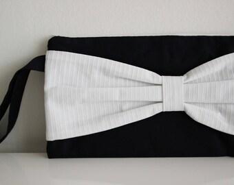 élégante pochette de soirée tissus Nina Ricci et de Fursac recylcés, idée cadeau, trousse de toilette, pochette à maquillage
