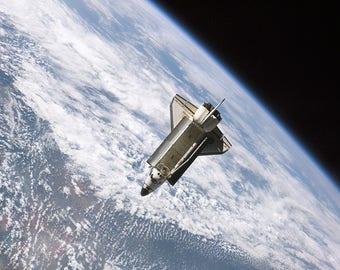 Space Shuttle Atlantis In Orbit STS -115 Print/Poster (4841)