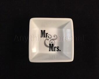 Mr. and Mrs. Ring Dish, Couples Ring Dish, Personalized Ring Dish, Trinket Dish, Wedding Dish, Married, Wedding Gift, Couples Gift, Wedding