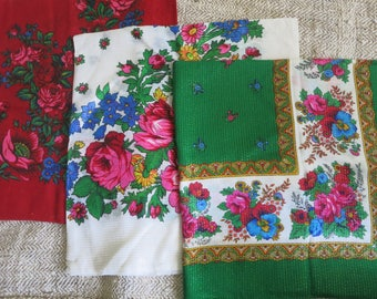 Women scarf Square scarf Vintage kerchief Gift girlfriend Gift for her Wool shawl vintage Red vintage shawl Green vintage shawl White shawl