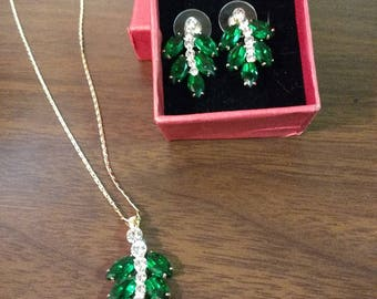 Vintage Yoursfs Emerald Rhinestone Necklace and Earring Set