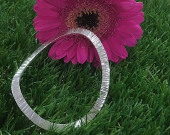 Daisy - silver wave bangle