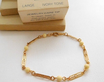 Vintage Avon Touch Of Color Ivory Tone Gold Link Large Size Bracelet ZZ9