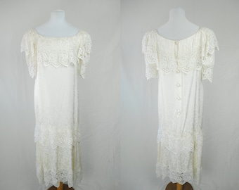 1970s Lace Cape Dress // Vintage Lace Dress // Bohemian Maxi Dress // 1970s Wedding Dress // Romantic Dress / Boho Maxi Dress / Witchy Dress