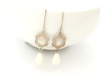 Bridal Earrings / Pearl Earrings / Bridal Pearl Earrings / Wedding Earrings / wedding earring bridal jewelry