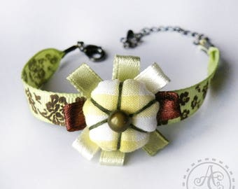 Bracelet Bohemian lime green and Brown fabric flower