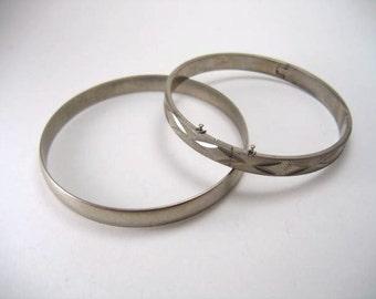 Vintage bracelets silver metal set of 2 bangles