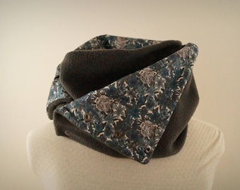 """snood / Turtleneck fleece gray and """"Tigers and flowers"""" Liberty Blue and gray"""