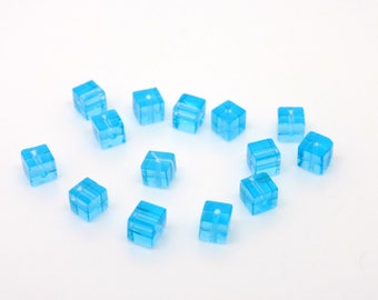 Cube bead, turquoise, glass, 4 mm