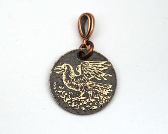 Small copper crow pendant, round etched raven jewelry, 22mm