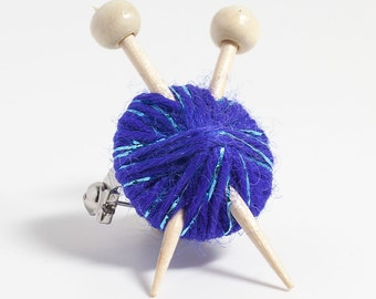 Sparkly Purple Wool Knitter's Brooch - Ball of Yarn and Knitting Needles