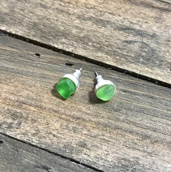 Green sea glass on resin-silver color stud earrings
